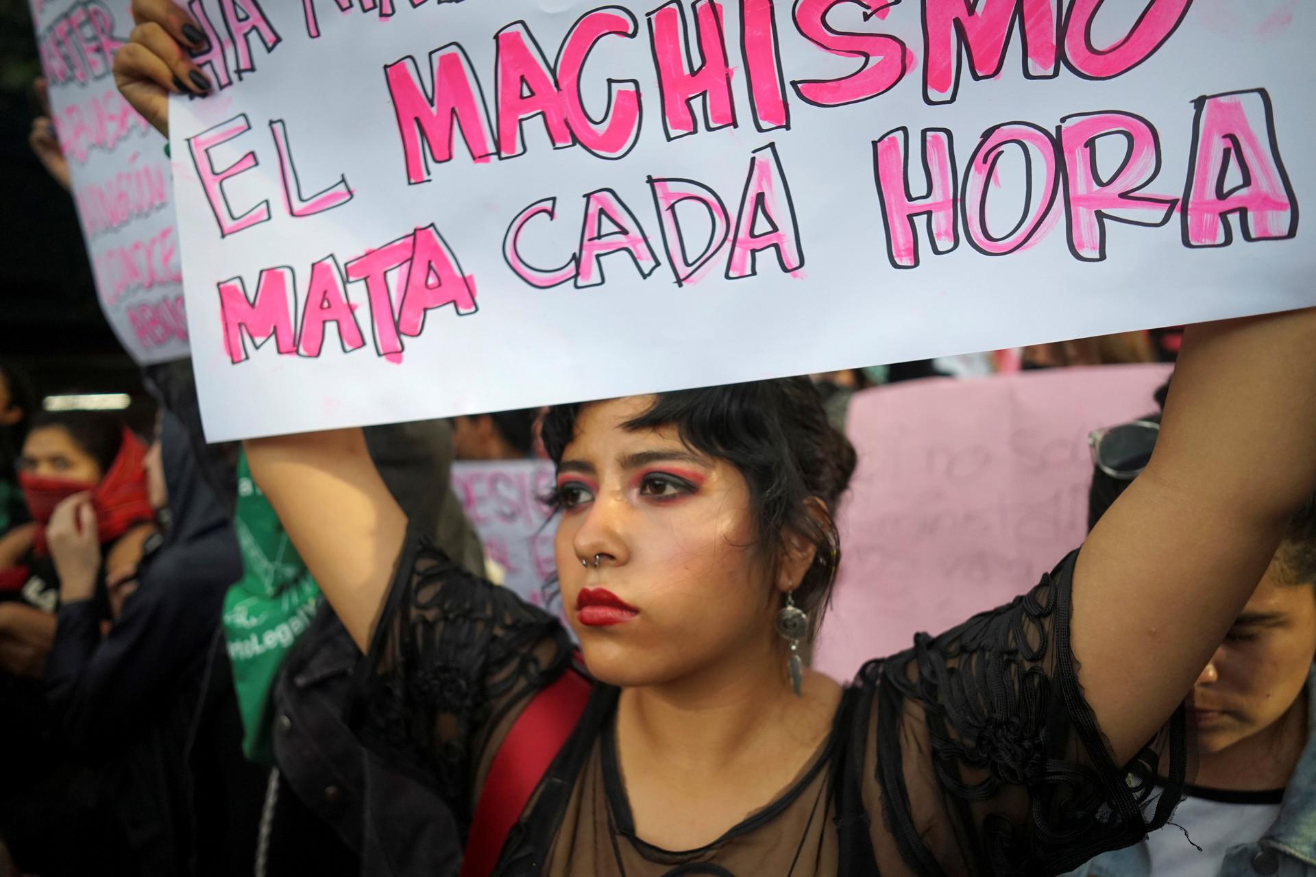 México: Hasta 15 años de cárcel recibirán quienes agredan a las mujeres con ácido