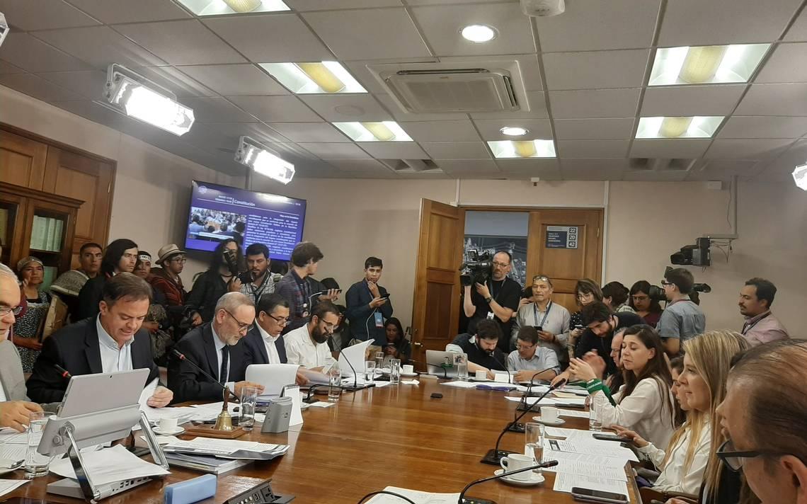 Chile: Comisión del Congreso aprueba incluir paridad de género, indígenas e independientes en proceso constituyente
