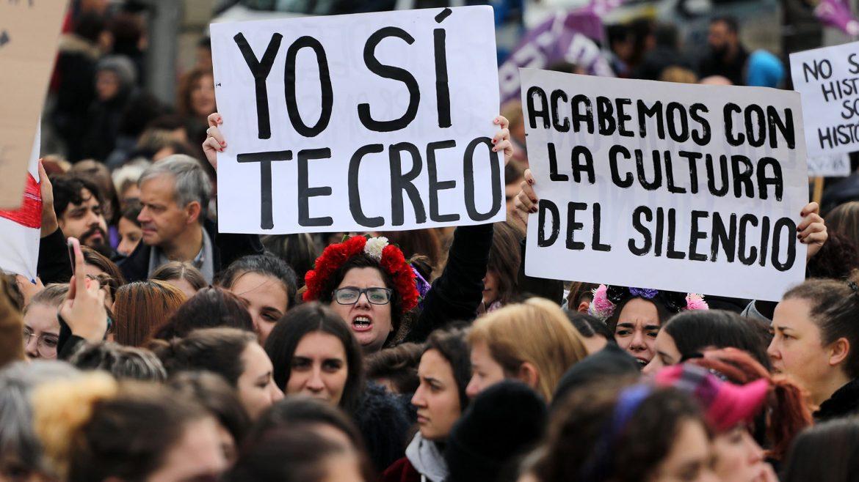 Manifestaciones en Barcelona en protesta por la violencia de género. Fotografía: La carbonara