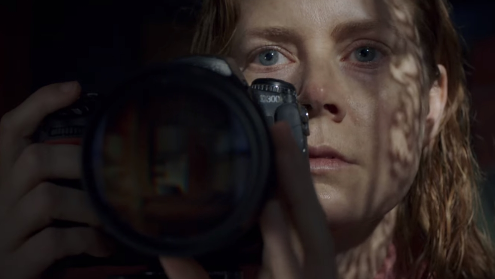 """The Woman In The Window"": Amy Adams se cuestiona su cordura el trailer de este thriller perturbador"