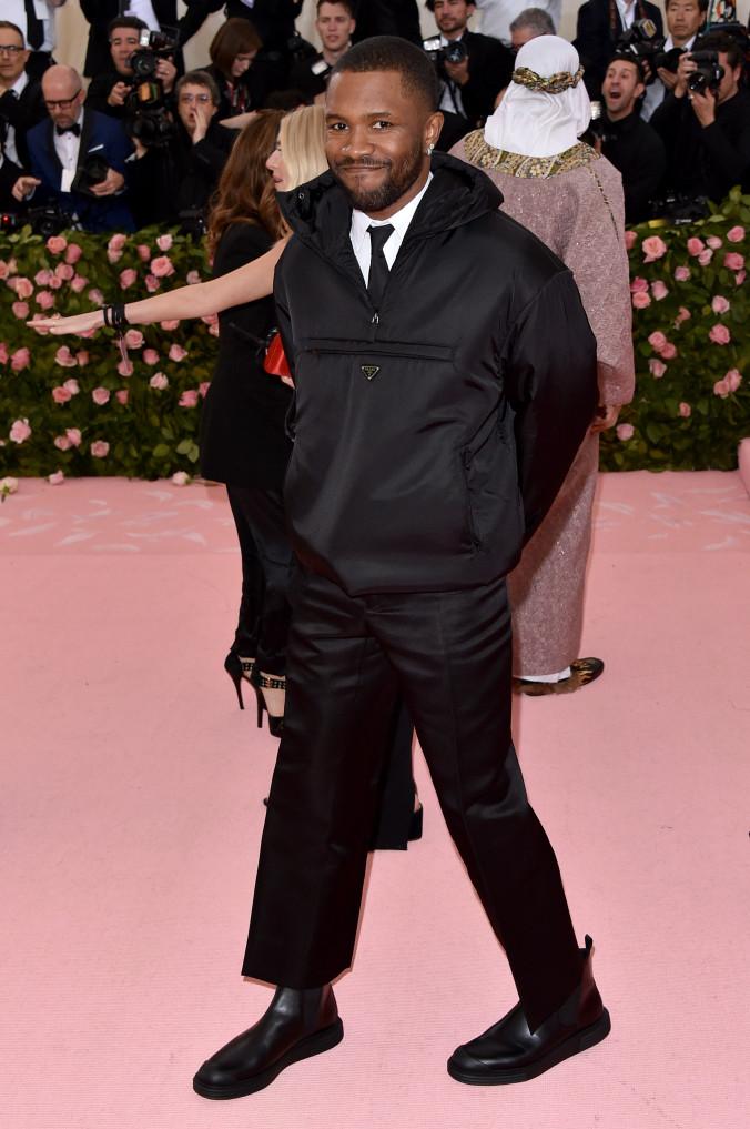 10 looks de Frank Ocean que lo convierten en un embajador de la moda en el R&B