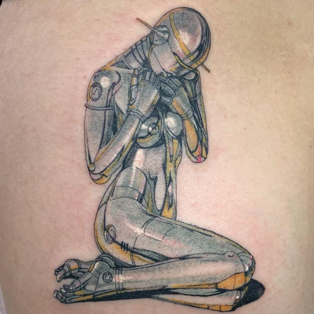 Conoce a Miki Kim, la artista que mezcla el arte tradicional japonés con psicodelia moderna para crear tatuajes surrealistas