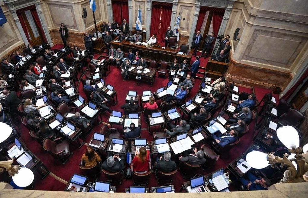Chile: Senado vota en contra de consagrar el agua como bien de uso público a pesar del estallido social