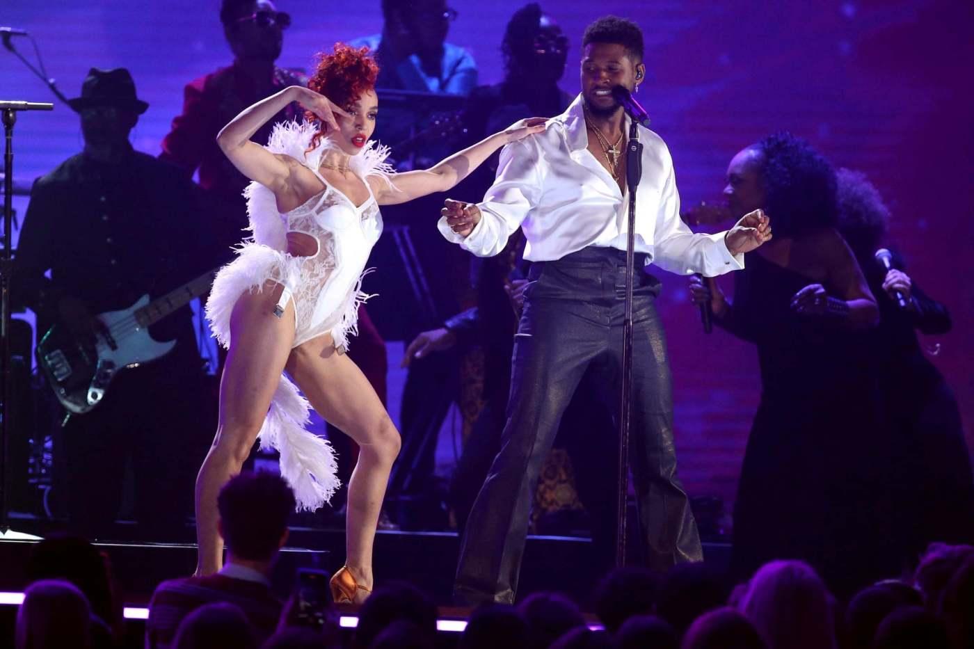 """FKA Twigs dice que """"no le pidieron cantar"""" durante el tributo a Prince en los Grammys"""