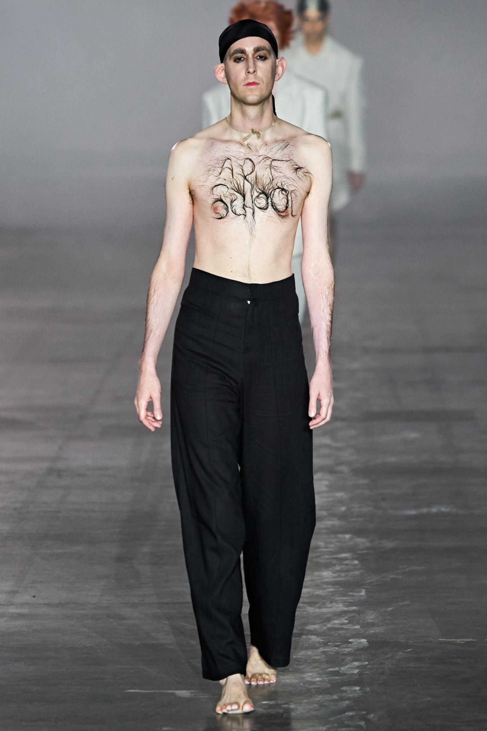 London Fashion Week: Art School creó arte con vello corporal para su colección AW 2020