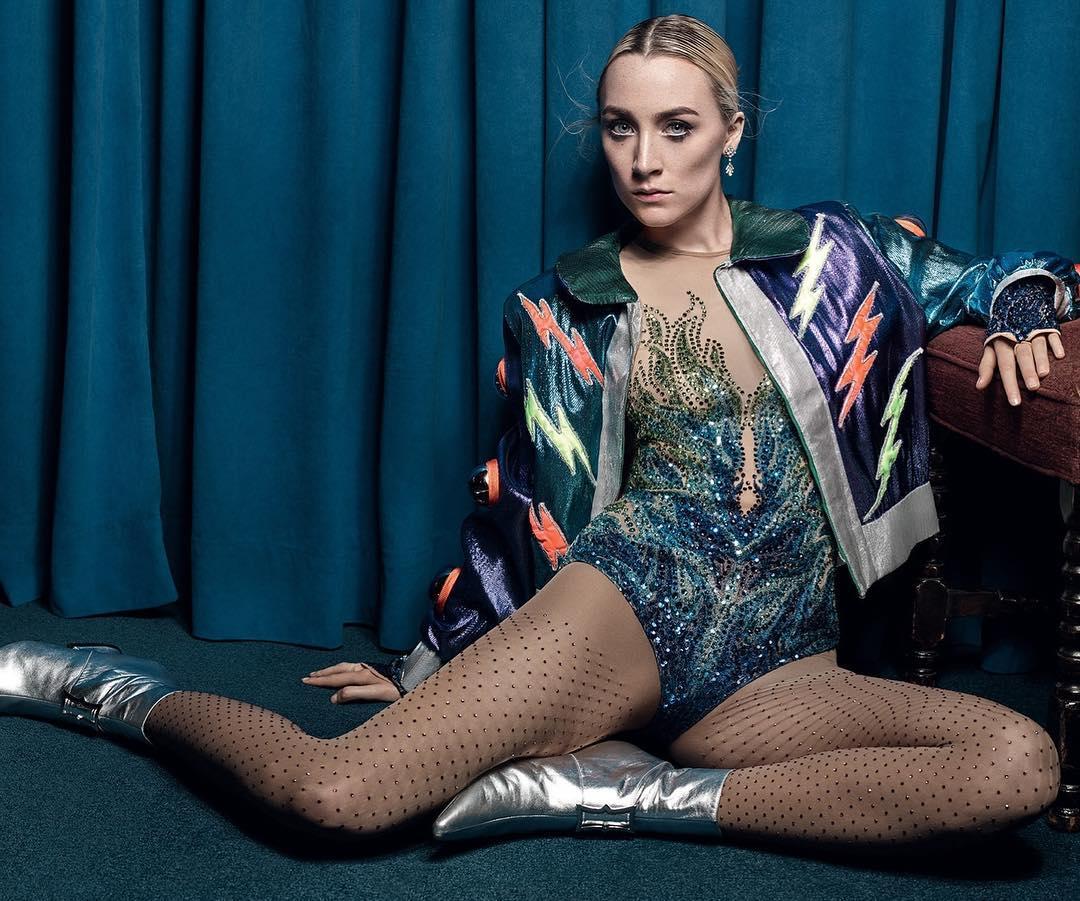 10 looks de Saoirse Ronan que la convierten en una queen del glamour y el streetwear