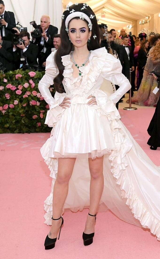 Lily Collins en la MET Gala. Fotografía: Getty Images