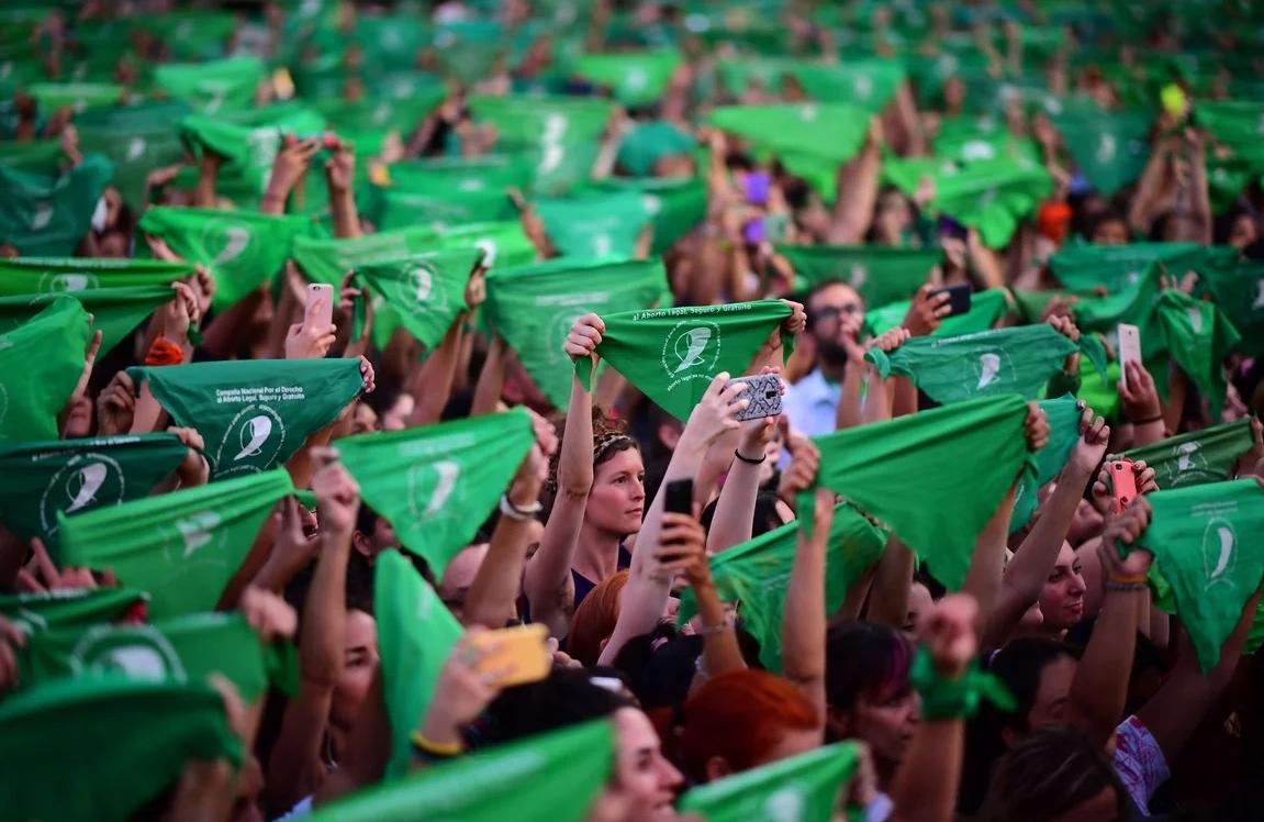Argentina: La lucha por el aborto legal se renueva con pañuelazo protagonizado por miles de mujeres