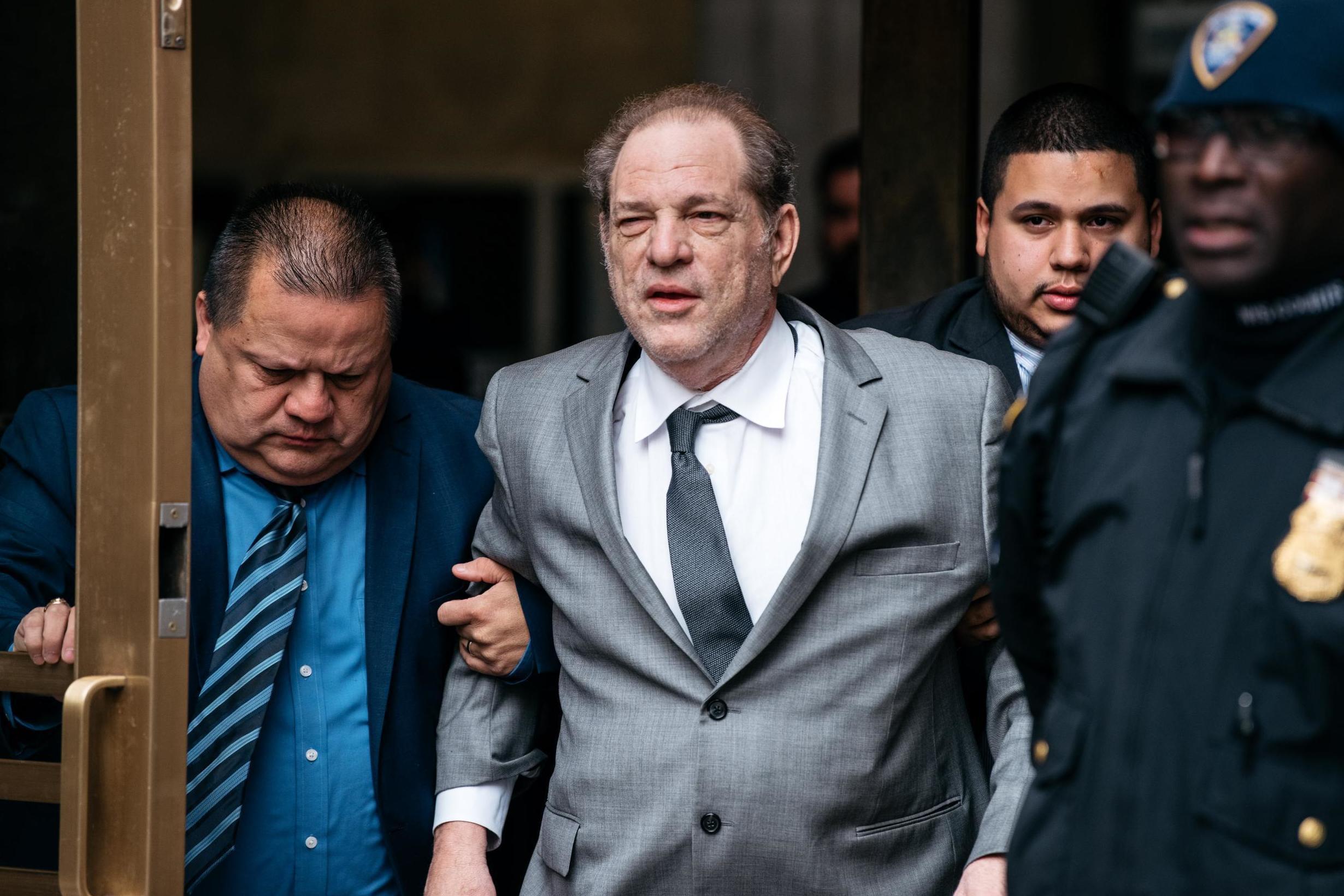 Harvey Weinstein sentenciado a 23 años de cárcel por violación y abuso sexual