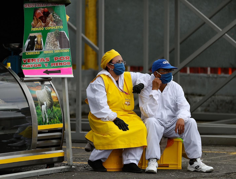 Coronavirus: Liberación del autor de dos femicidios en Argentina genera protestas; muere trabajadora de salud en Chile