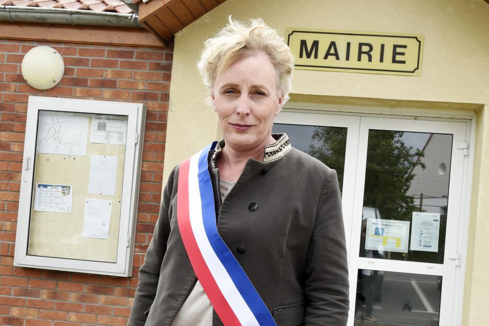 Marie Cau hace historia en Francia y se convierte en la primera alcaldesa transgénero del país