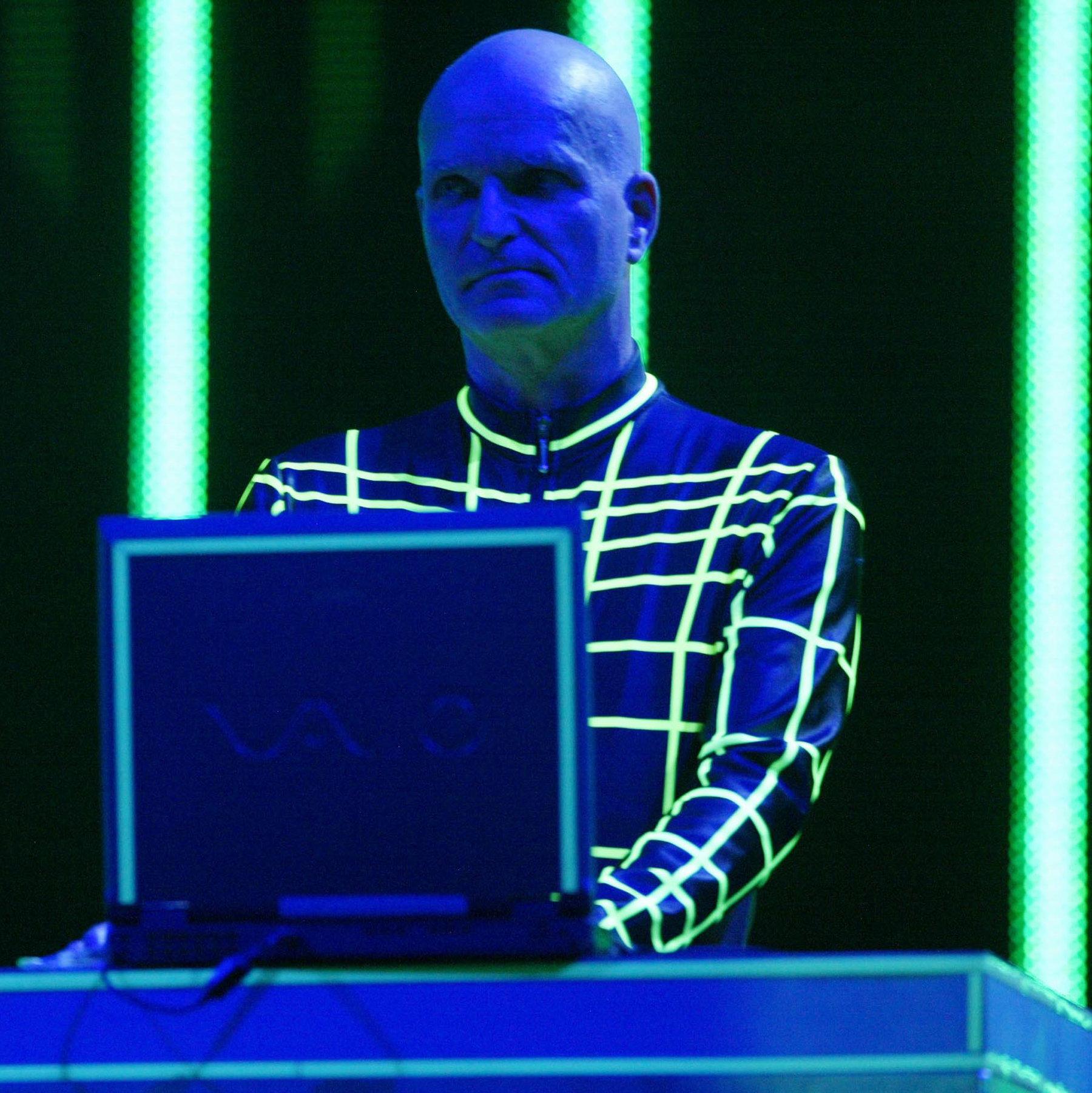 Florian Schneider, co-fundador de Kraftwerk y pionero de la música electrónica, fallece a los 73 años