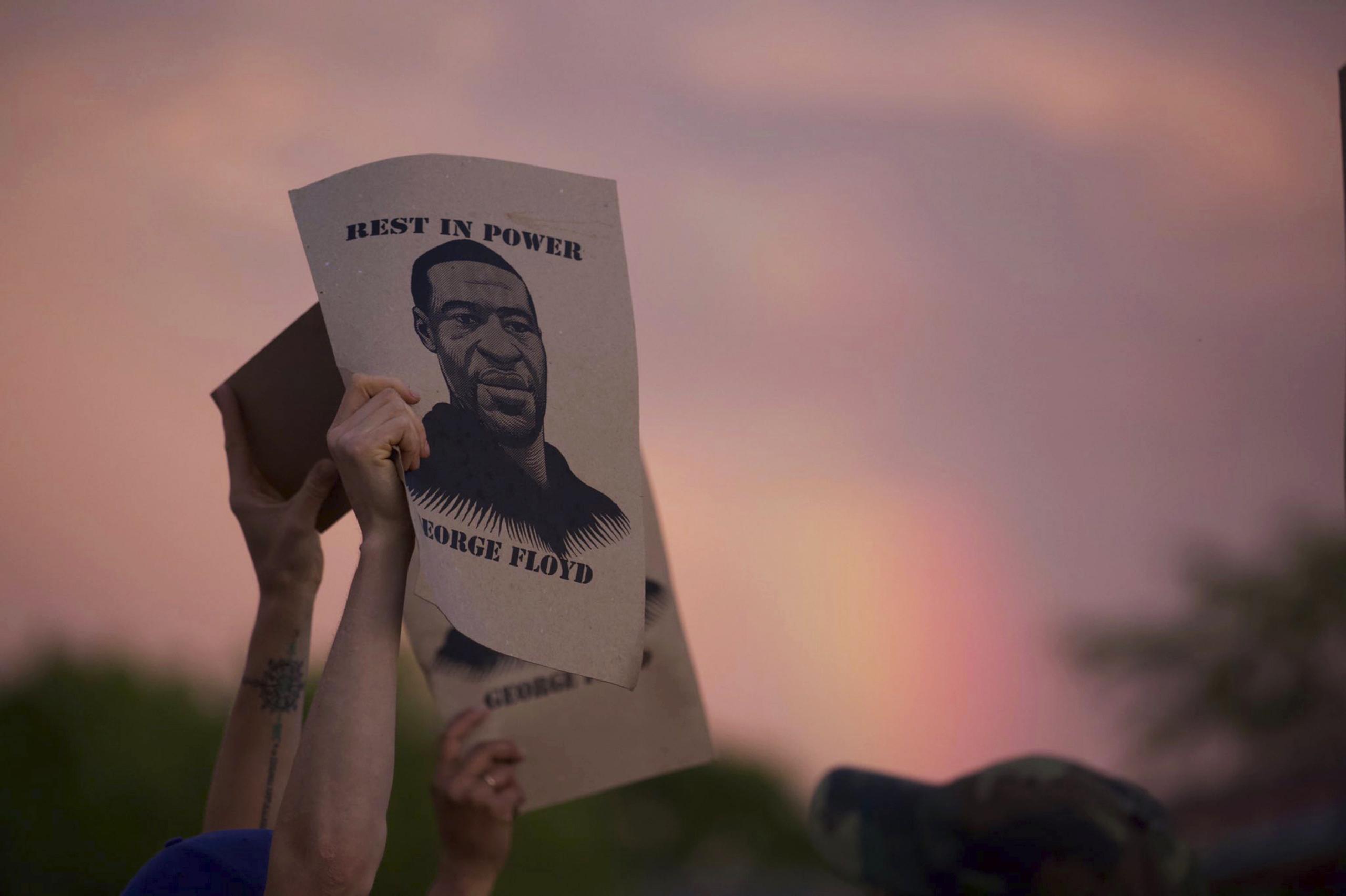 Minneapolis se prepara para despedir a George Floyd; más de 10.000 personas arrestadas en EE.UU.