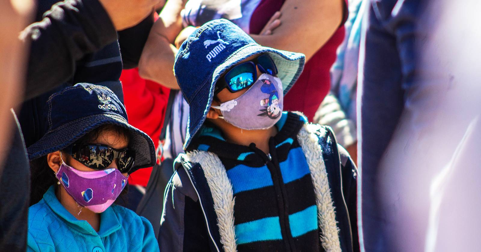 Coronavirus: 71% de los niños chilenos teme que un familiar se contagie; Colombia prepara apertura de playas