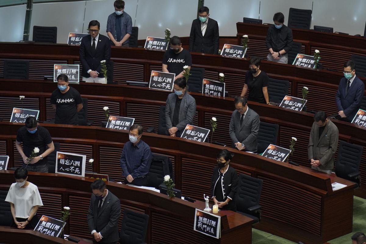 Hong Kong aprueba ley que multa y pena con cárcel los insultos al himno nacional de China