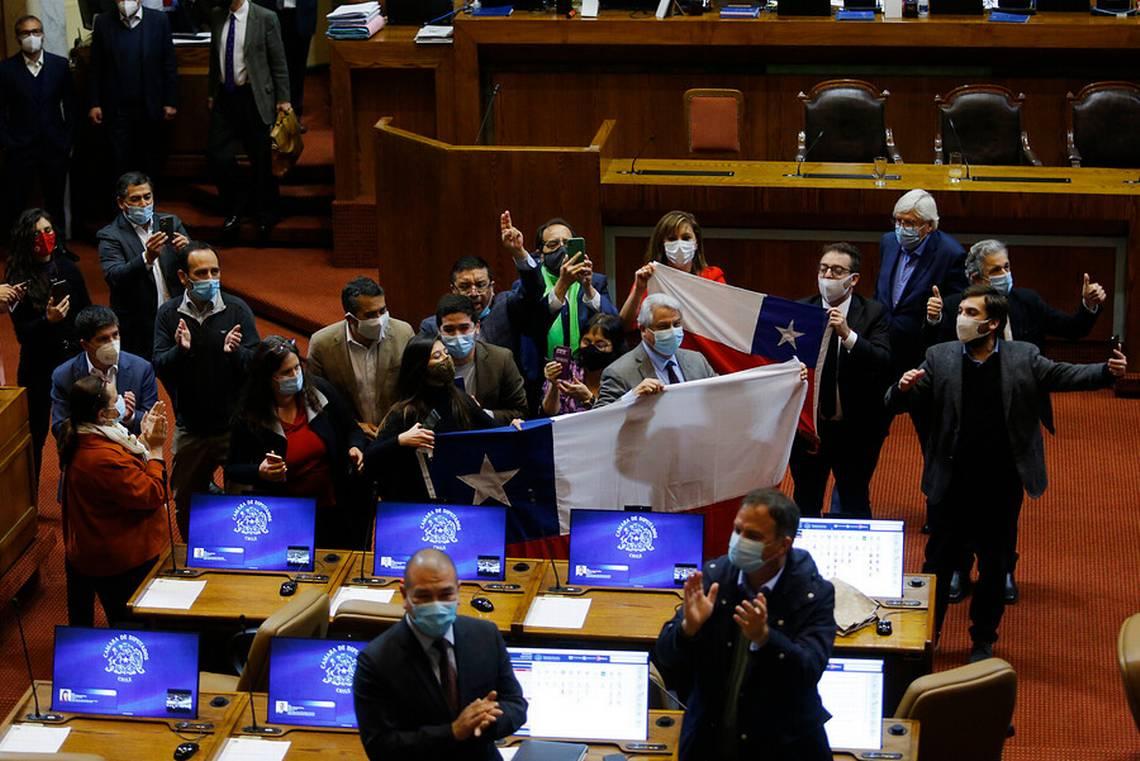 Chile: Congreso aprueba y despacha a la Presidencia el proyecto de ley de retiro de las AFP
