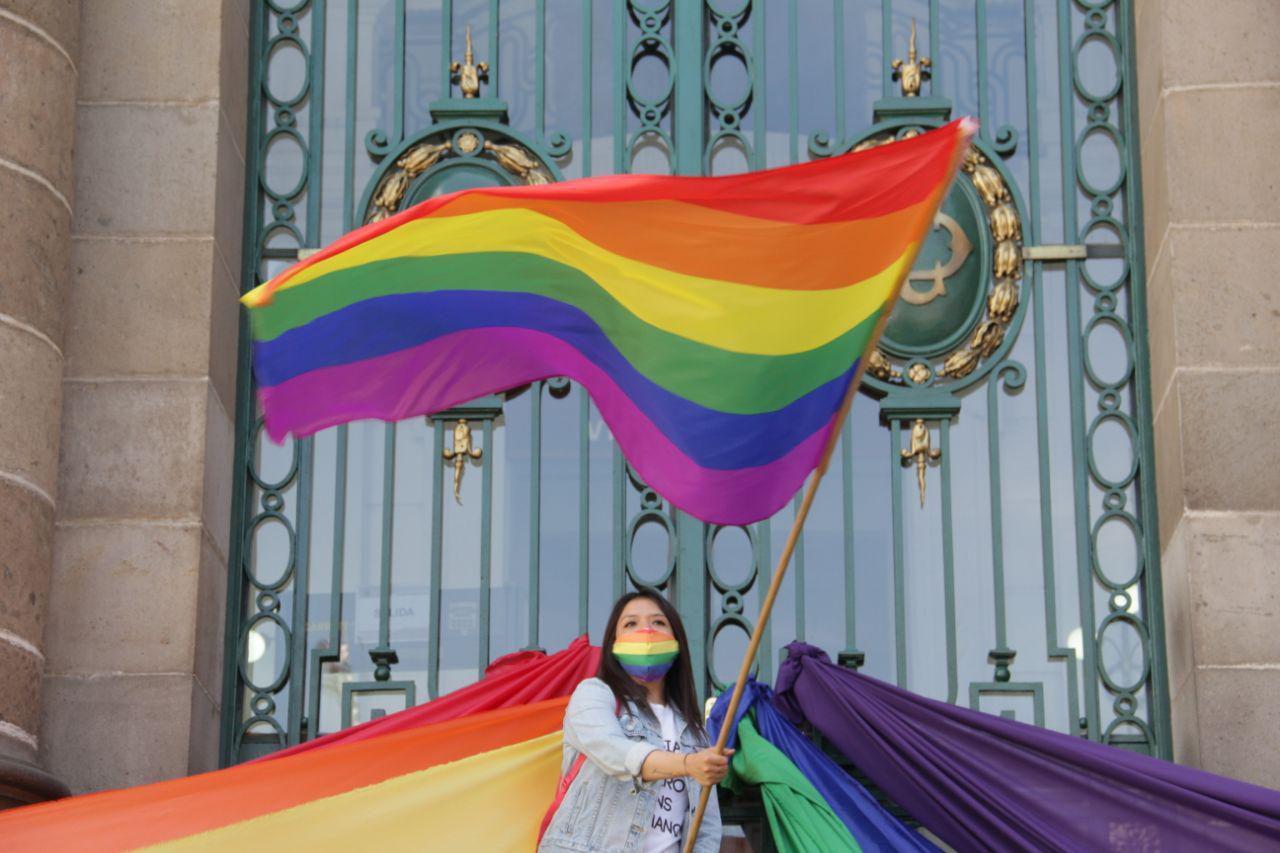 """Ciudad de México hace ilegales las """"terapias de conversión"""" para personas LGBTQI+"""