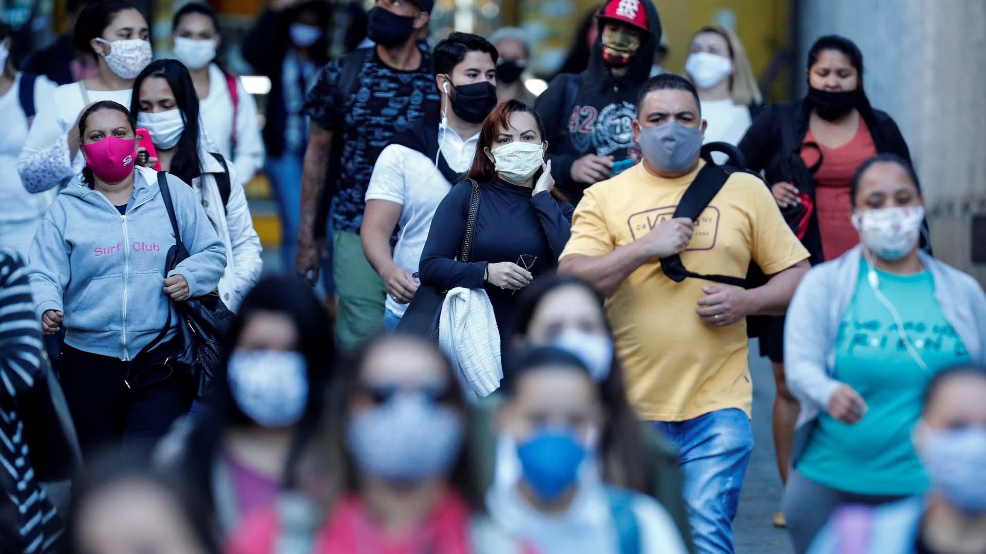 Coronavirus: Chile cruza la barrera de los 6.000 fallecidos; Brasil tendría al ocho millones de contagiados