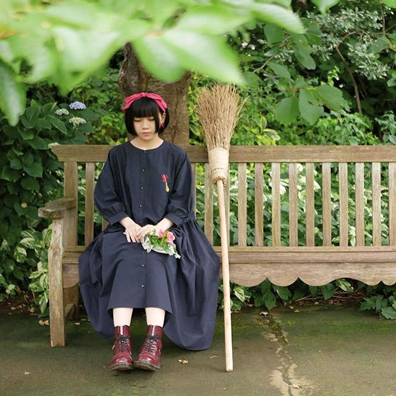 Muestra de los vestidos de la nueva línea de ropa de Studio Ghibli. Fotografía: Donguri Kyowakoku