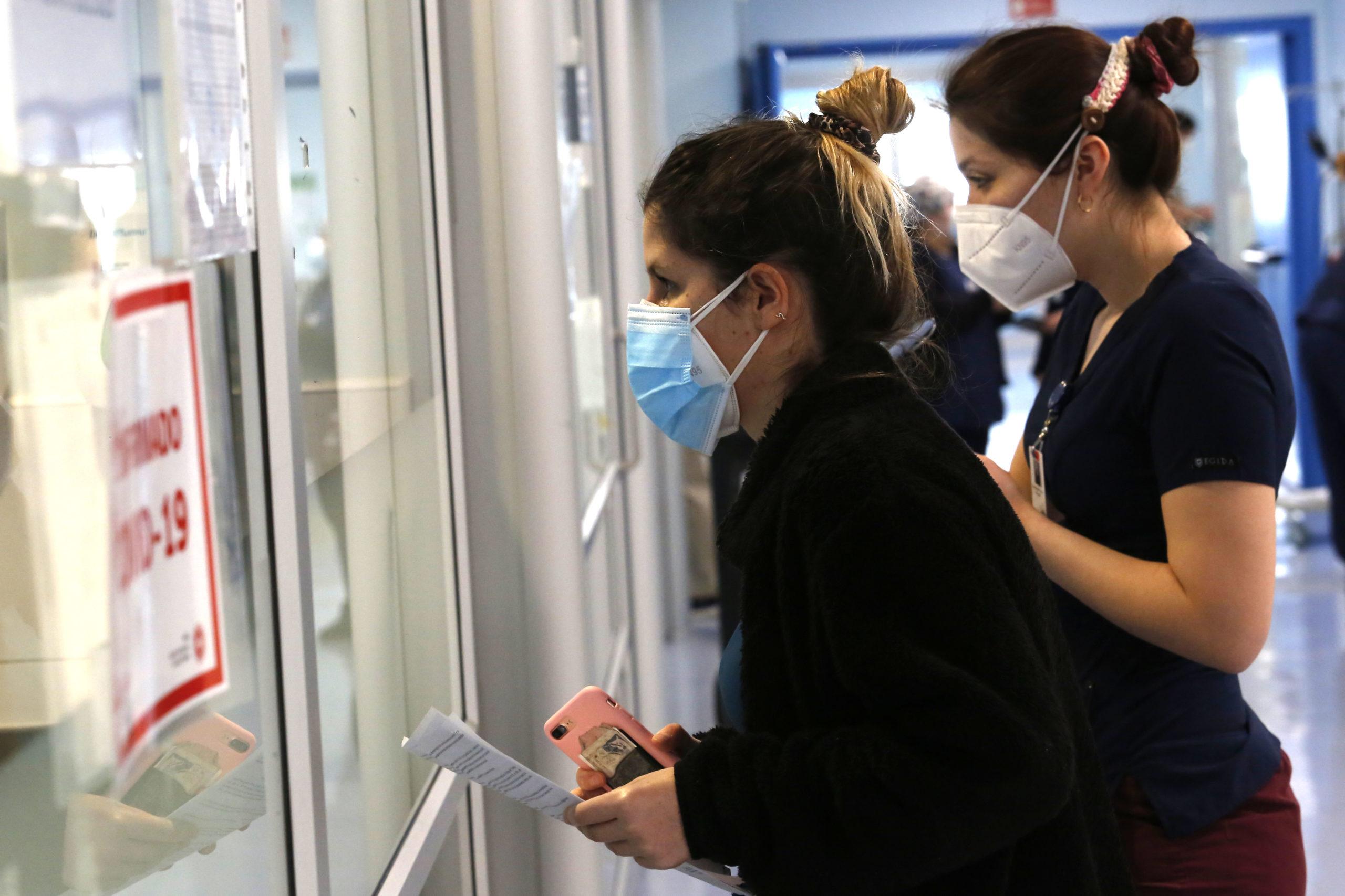 Coronavirus: Aumentan consultas de emergencias en Santiago de Chile; México podría cerrar el año con un millón de contagios
