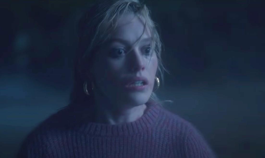 """""""The Haunting of Bly Manor"""": La antología de """"Hill House"""" continúa en Netflix con una historia de terror en los años 80"""