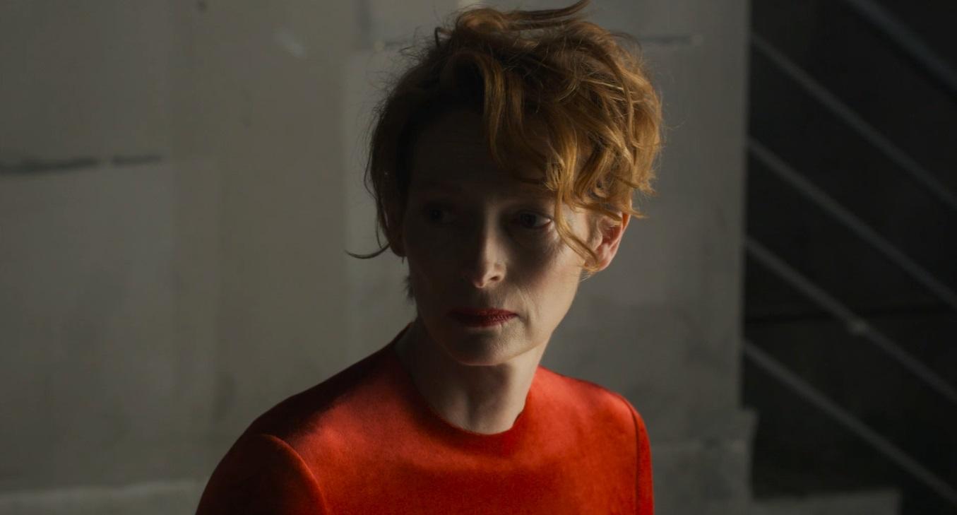 """""""The Human Voice"""": Tilda Swinton impacta en el primer avance del nuevo corto de Pedro Almodóvar"""