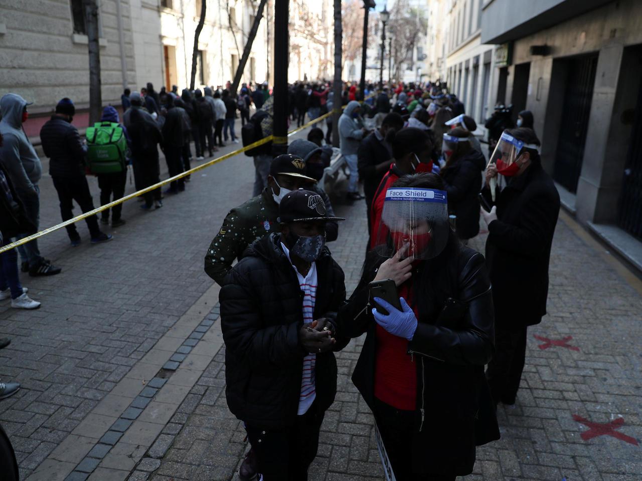 Coronavirus: Chile supera los 360.000 casos confirmados; Argentina prohíbe reuniones sociales