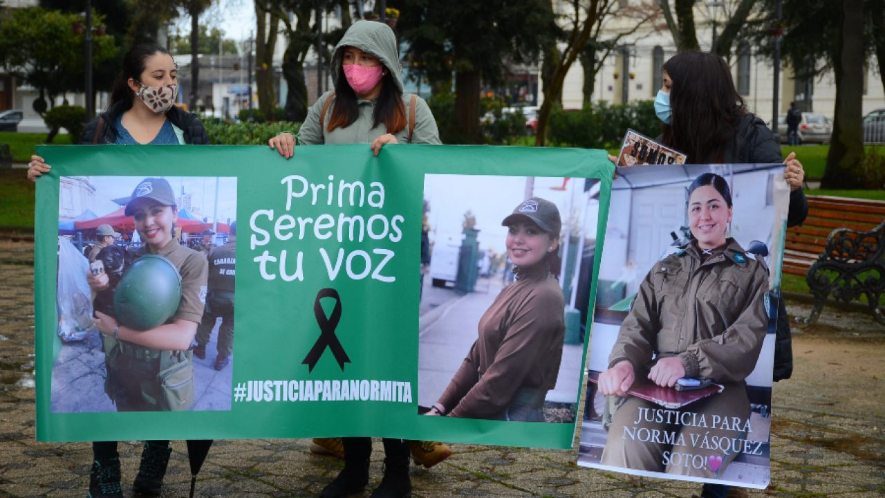 """Las Tesis sobre el femicidio de la carabinera Norma Vásquez: """"Ninguna de nosotras merece ser encontrada en un maletero"""""""