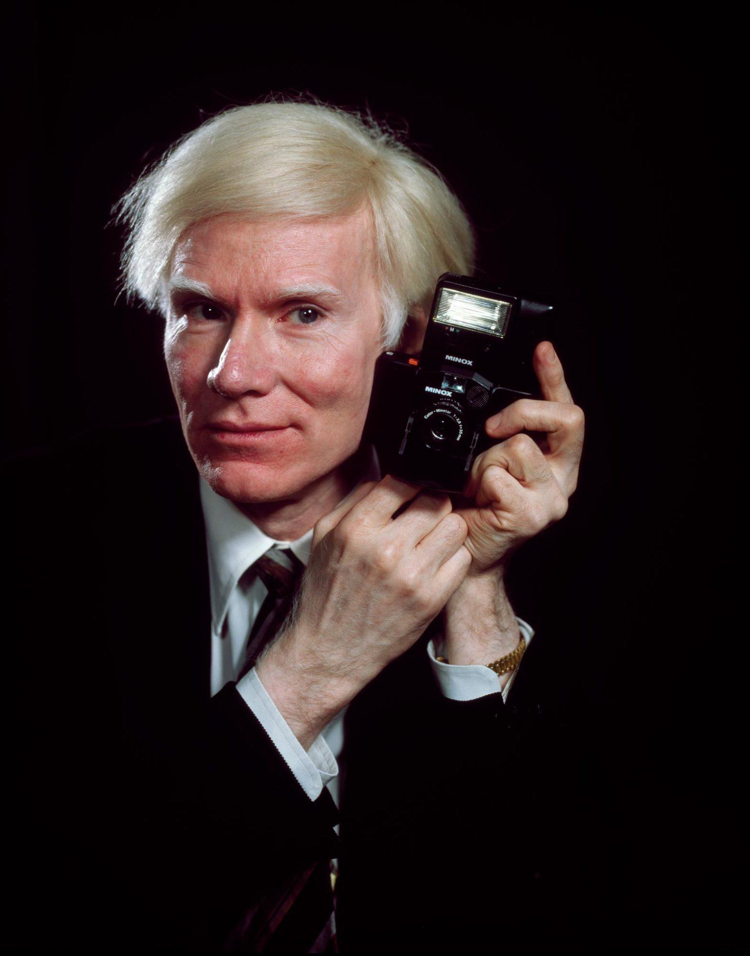 Todo lo que necesitas saber sobre la nueva biopic de Andy Warhol