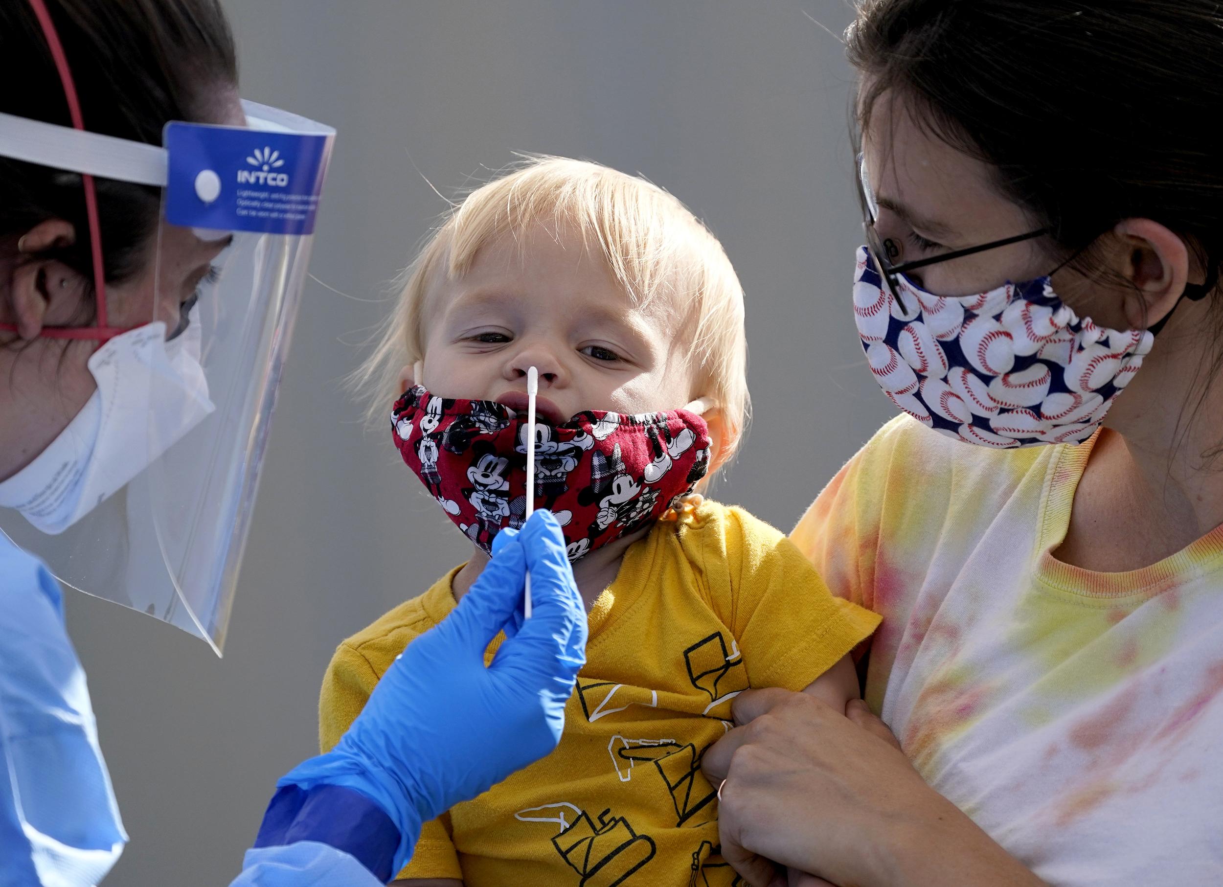 Coronavirus: Cerca 550.000 niños se han contagiado en EE.UU.; AMLO dice que México será uno de los primeros países en recibir la vacuna