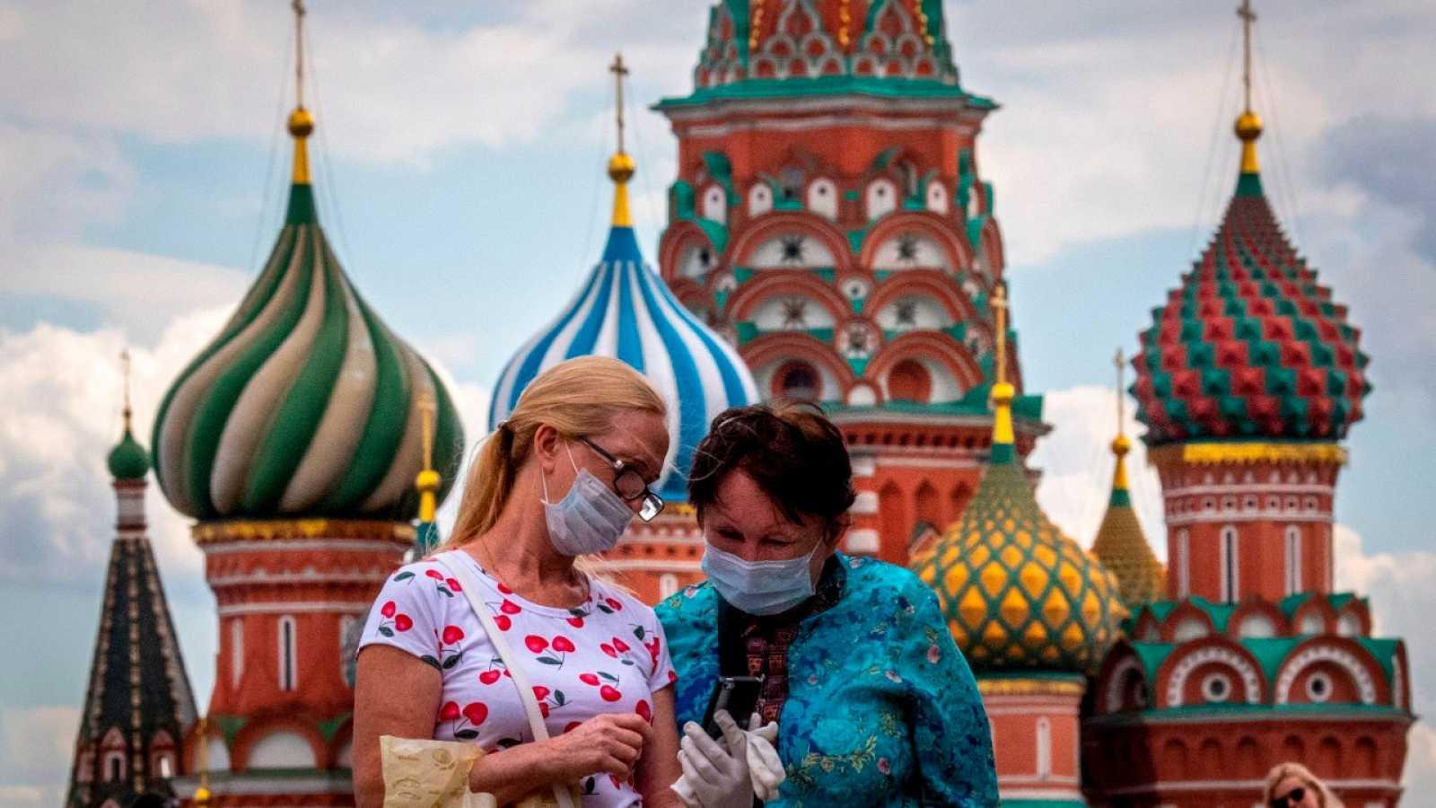 Coronavirus: Chile registra su menor número de contagios en dos semanas; Rusia inicia distribución de su vacuna