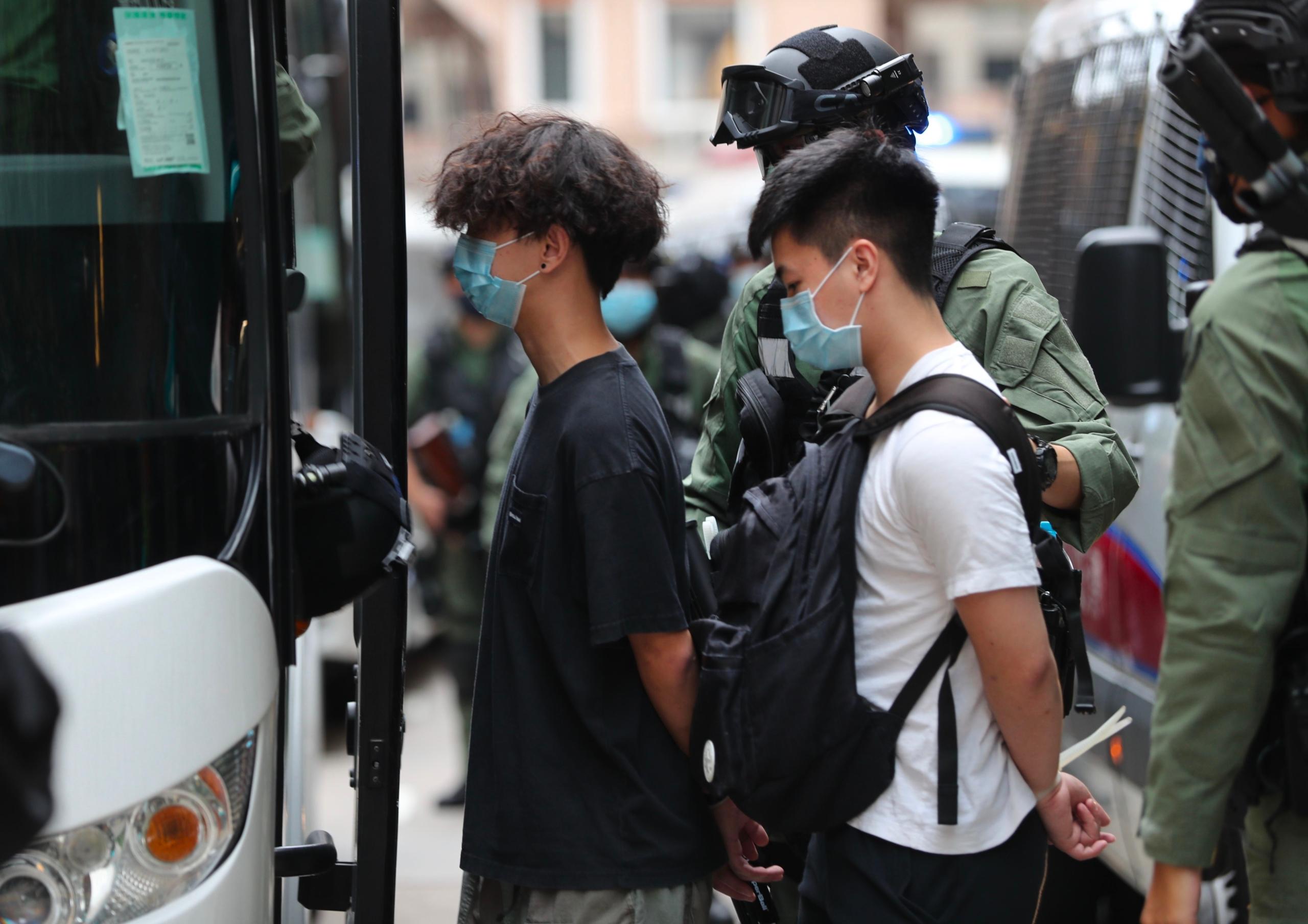 """Hong Kong: Maestro es despedido tras preguntar a sus alumnos: """"¿Qué es la libertad de expresión?"""""""