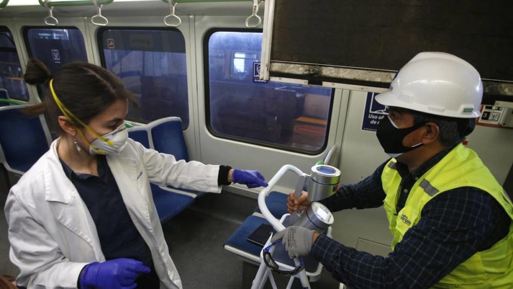 Coronavirus: Chile roza los 500.000 contagiados en vísperas del plebiscito; estudio revela que el enjuague bucal podría proteger ante el coronavirus