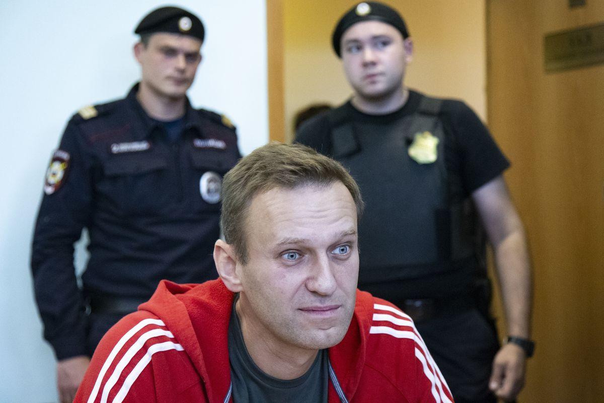 """Alexei Navalny acusa a Putin de su envenenamiento mientras Rusia dice que """"trabaja para la CIA"""""""