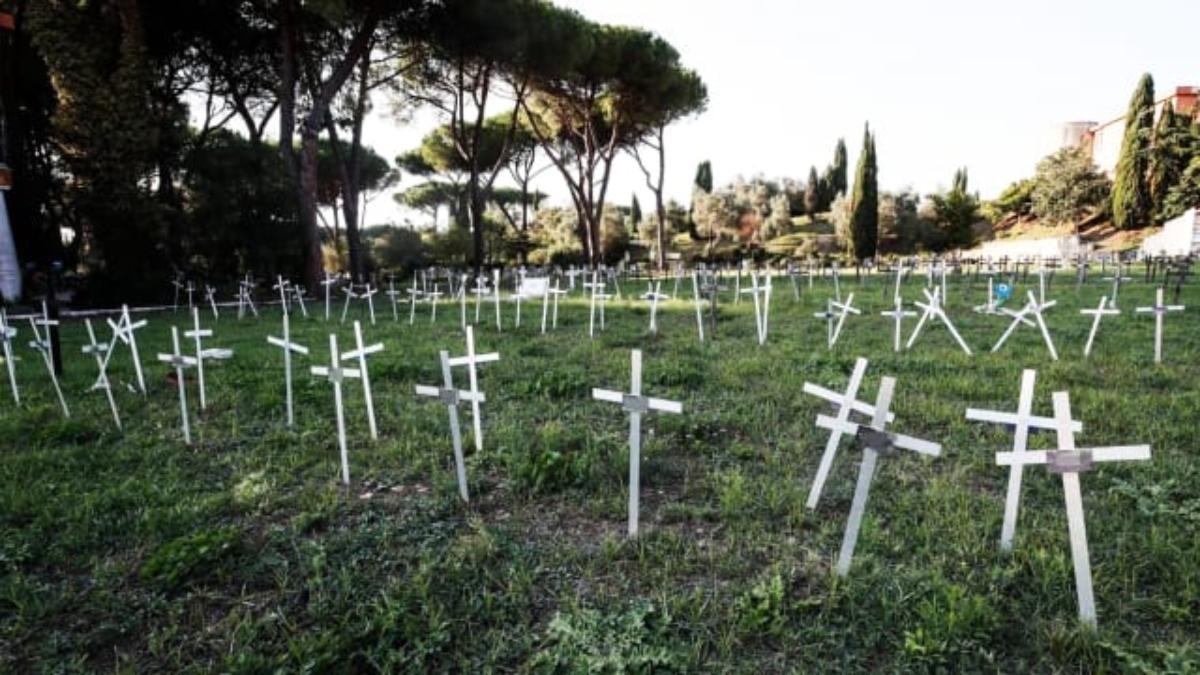 Italia: Mujeres inician acciones legales por tumbas de fetos marcadas con los nombres de las madres