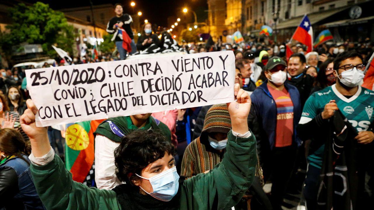 """Chile: """"Apruebo"""" logra el 78.27% de los votos en una victoria contundente para reemplazar la Constitución de Pinochet"""