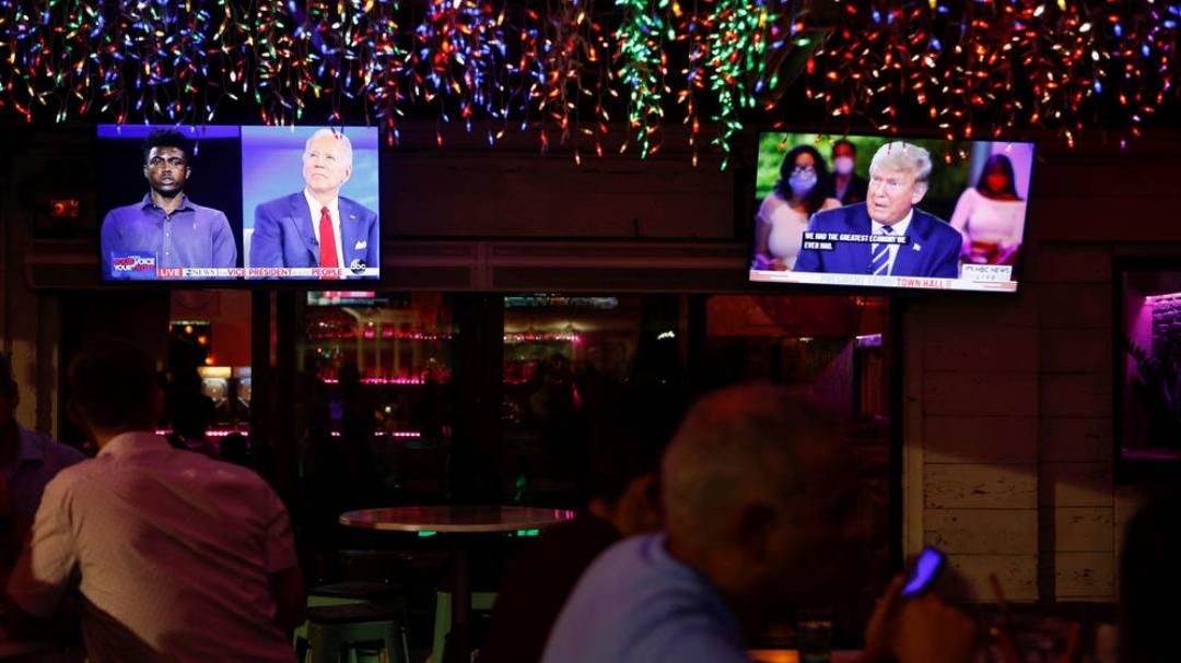 Trump y Biden: Dos visiones radicalmente opuestas en encuentros con votantes indecisos desde Miami y Filadelfia