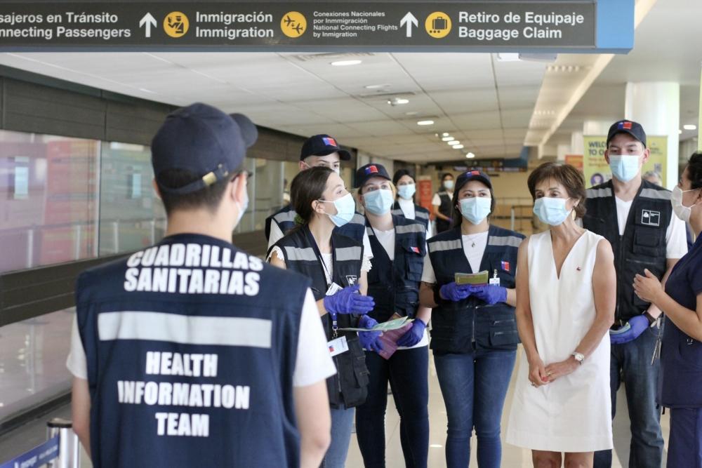 Coronavirus: Cerca de 4.000 personas han ingresado a Chile tras apertura de fronteras; España presentó su plan de vacunación