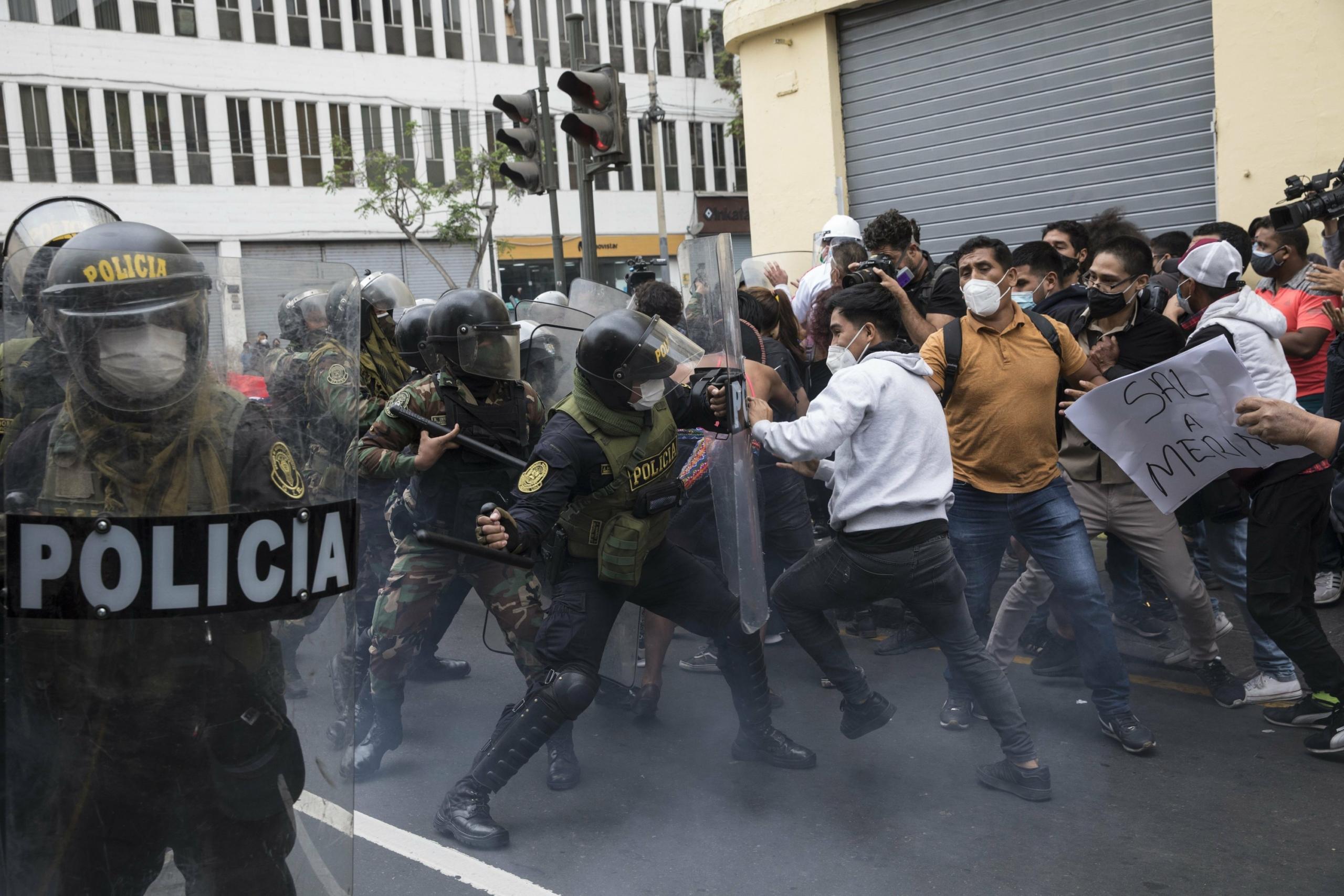 Perú: Protestas y disturbios tras juramentación de Manuel Merino como nuevo presidente