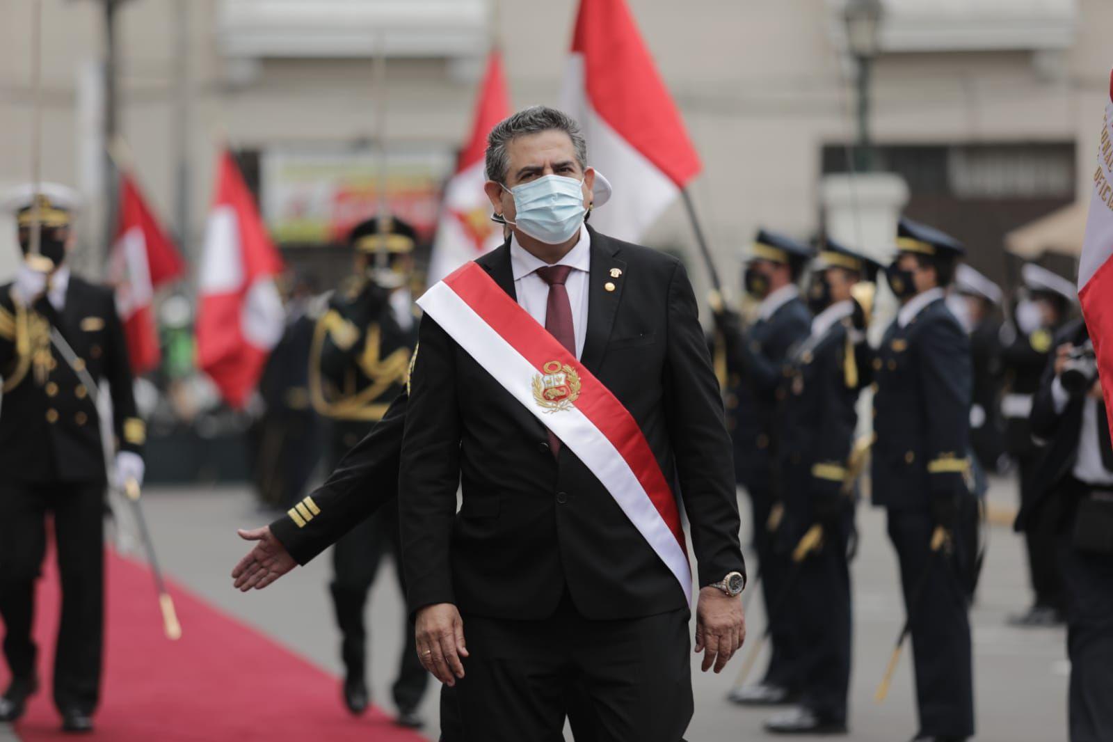 Manuel Merino, nuevo presidente interino de Perú, prometió respetar el calendario electoral