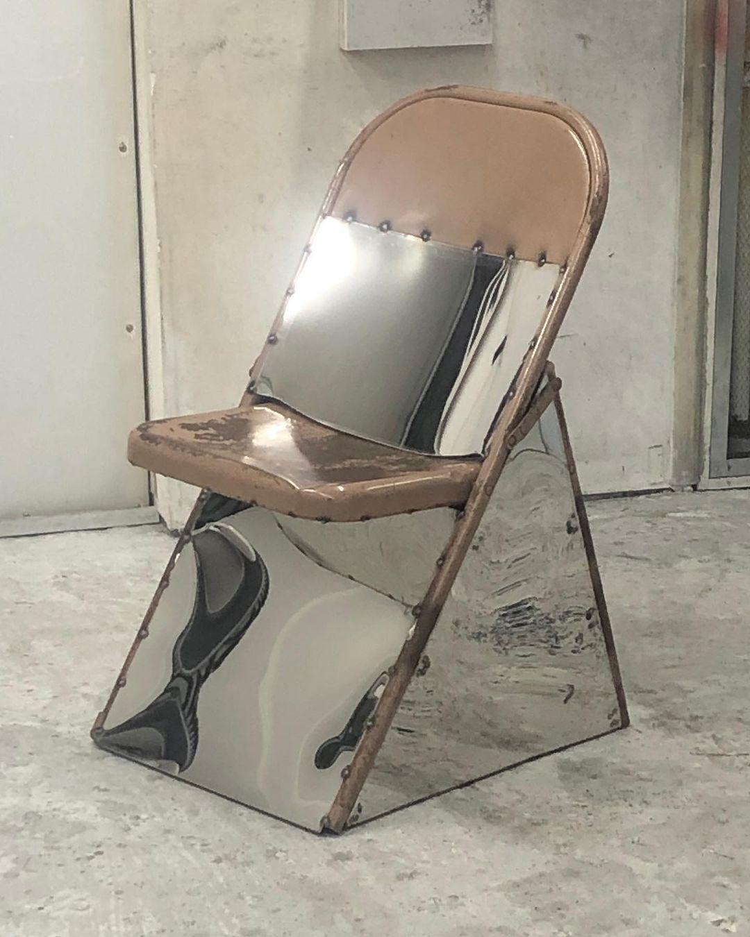 Conoce a Jason Gringler, el canadiense que transforma el vidrio y el acero en obras de arte
