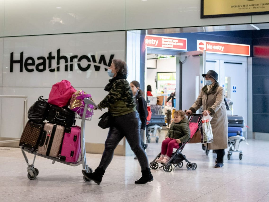 Coronavirus: UK prohíbe entrada de vuelos de Sudamérica por variante brasileña del virus; Chile aumenta contagios en 36%