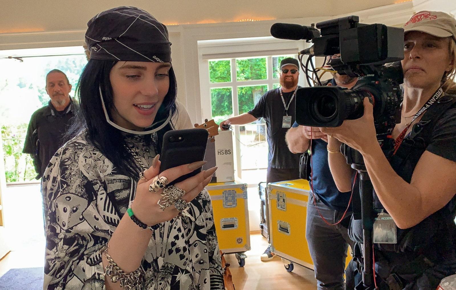 """""""The World's A Little Blurry"""": Billie Eilish abre las puertas de su vida en el nuevo trailer de su documental"""