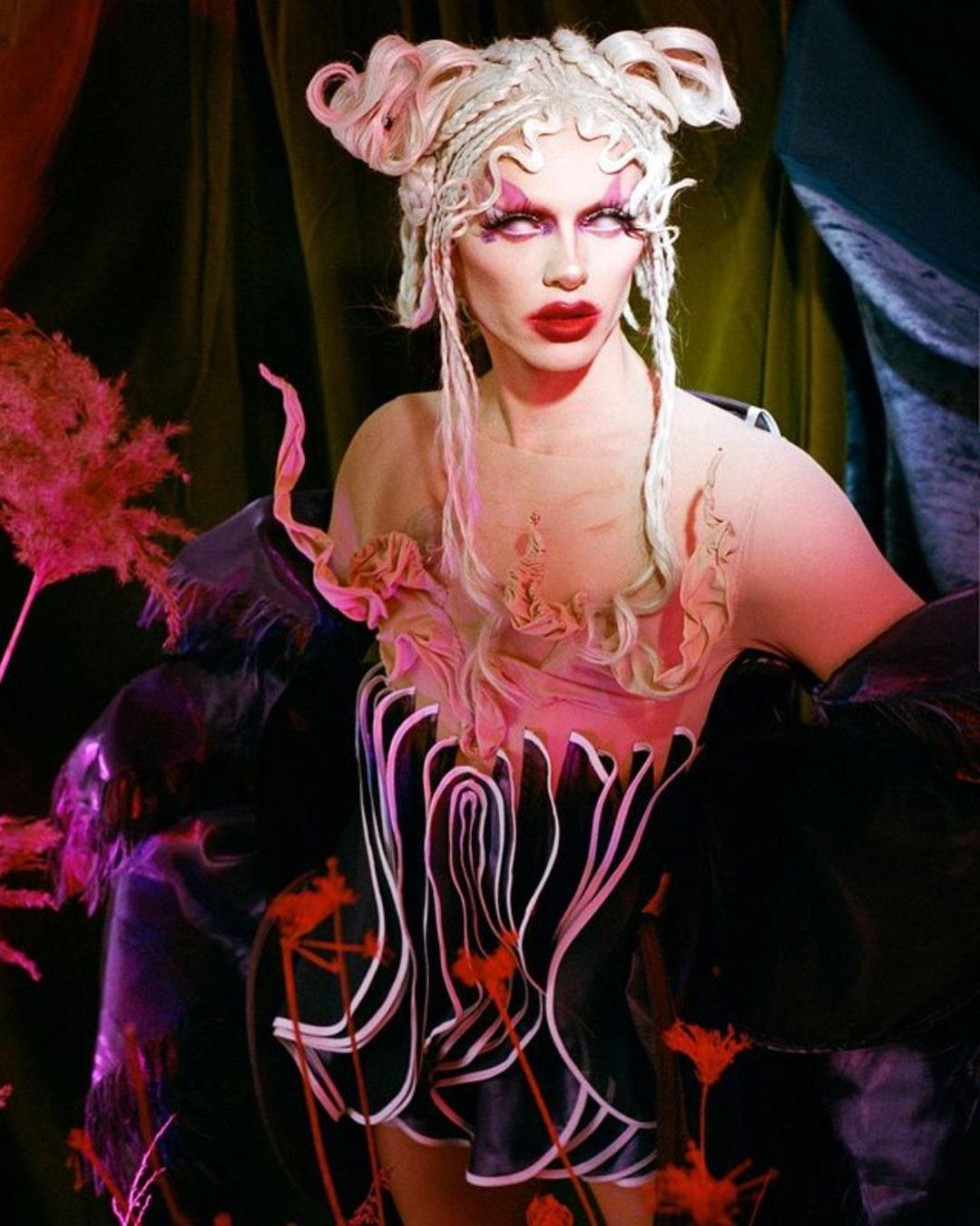 Conoce a Bimini Bon Boulash, la icónica drag queen no binaria, vegana y estrella de RuPaul's Drag Race UK