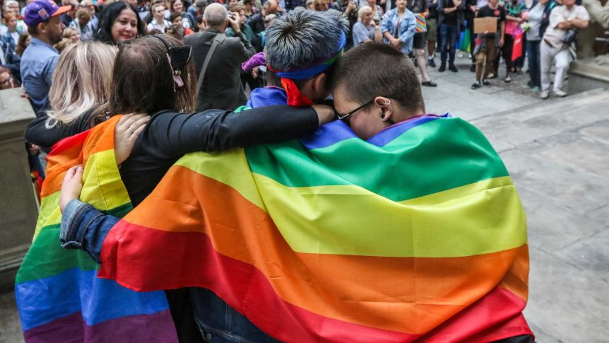 Malasia: Hombre gana caso histórico contra la prohibición del sexo gay por parte de los musulmanes