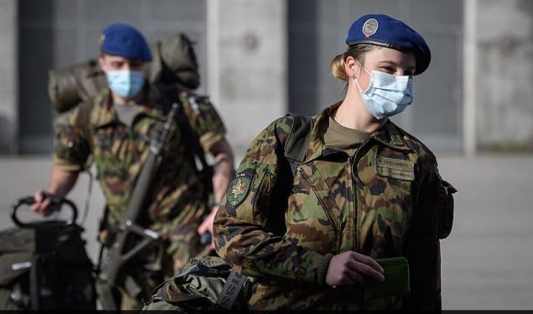 Suiza: Las Fuerzas Armadas entregarán ropa interior femenina a las reclutas