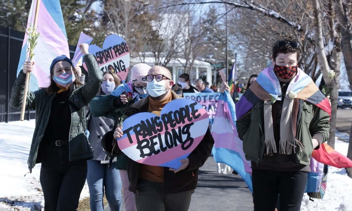 EE.UU.: Arkansas aprueba ley que prohíbe a médicos dar tratamientos de reafirmación de género a personas trans