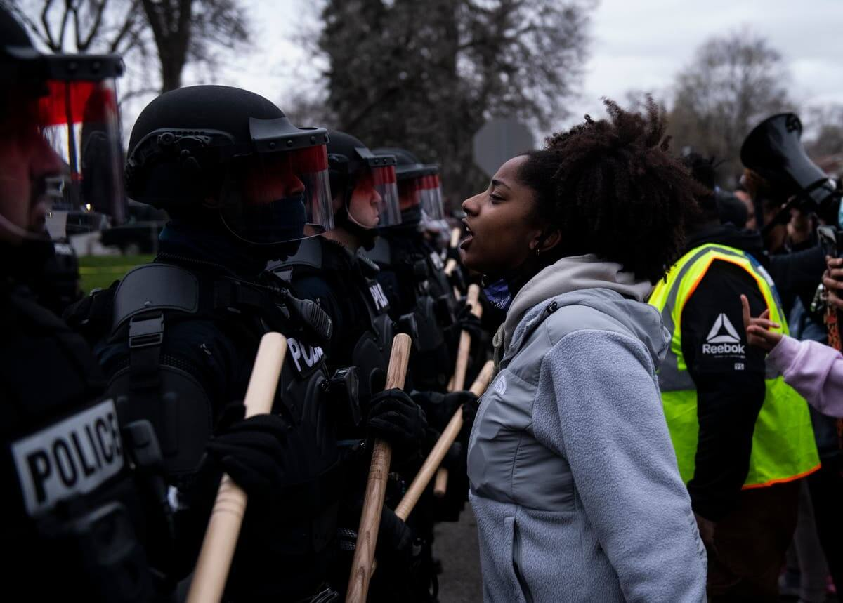 EE.UU.: El asesinato de un joven negro en manos de la policía genera protestas en Minneapolis