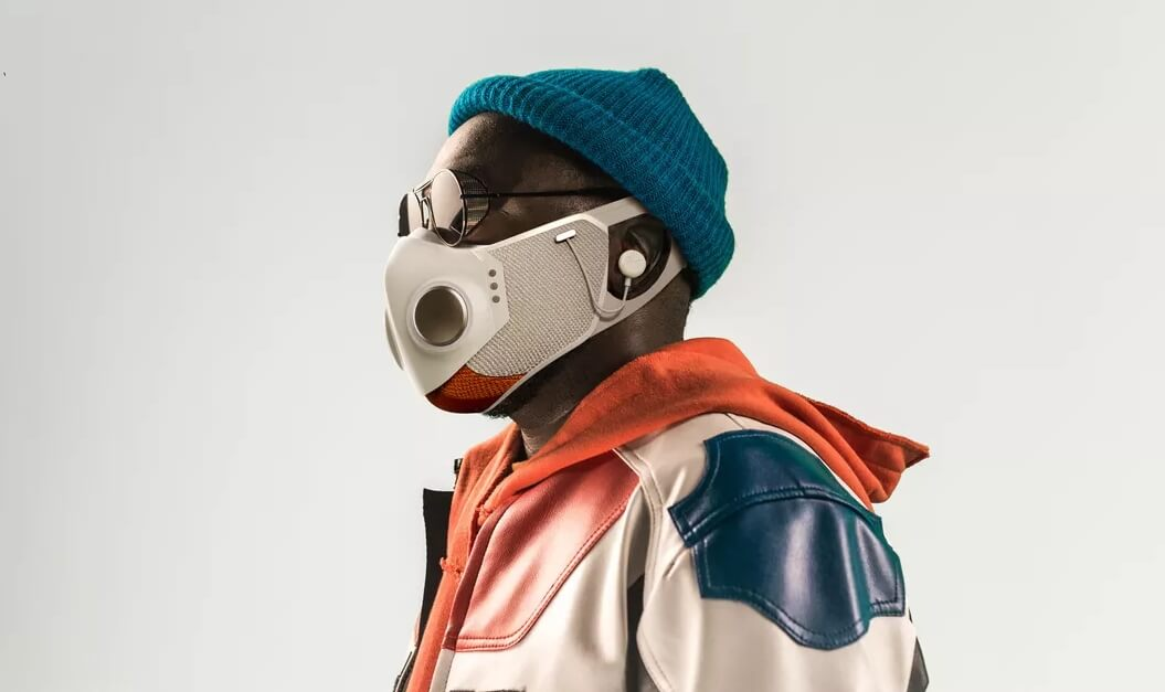 """Will.i.am presenta la """"Xupermask"""", una máscara hi-tech para la pandemia"""