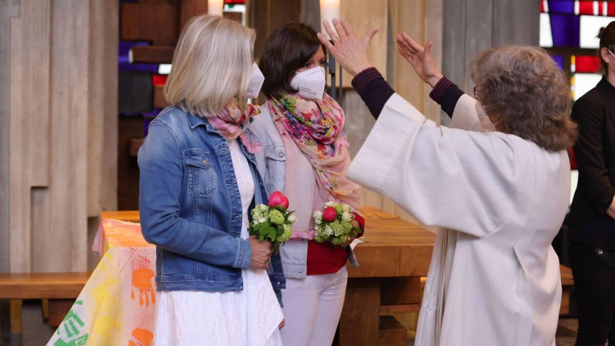Alemania: Sacerdotes bendicen a parejas homosexuales pese a prohibición del Vaticano